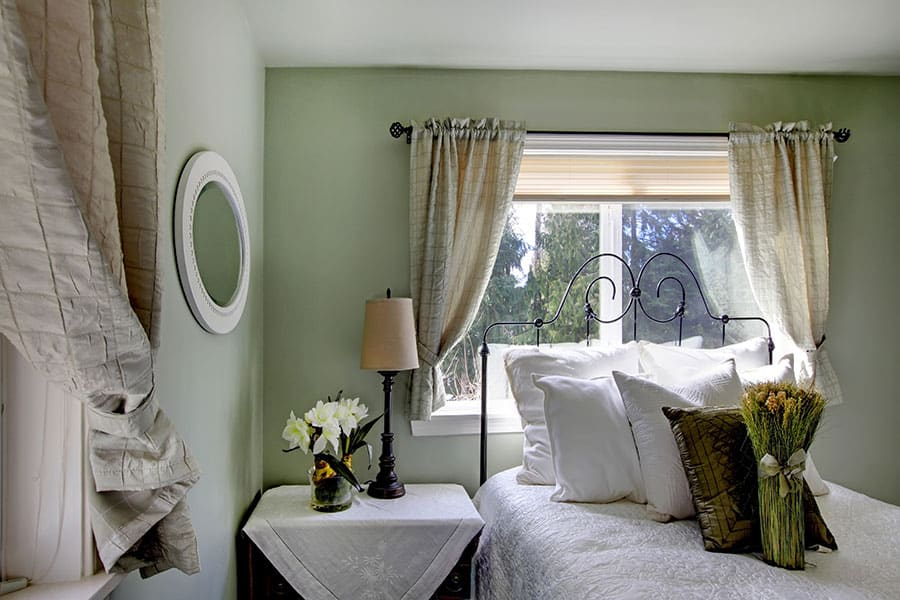 Can Bedroom Curtains Be Short Here S
