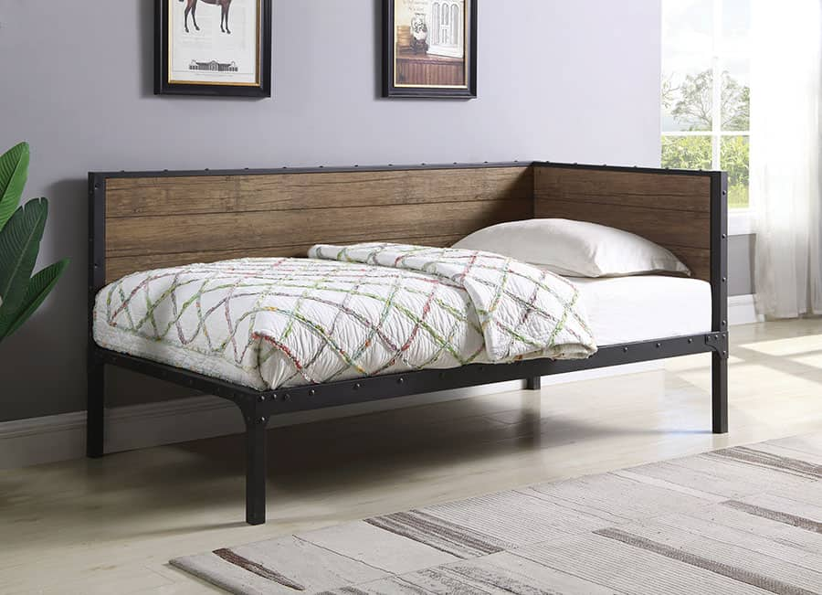 Chaise Lounge Style Daybed