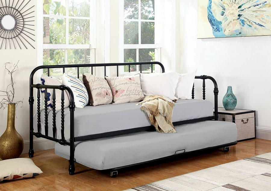 The Daybed With A Trundle Bed