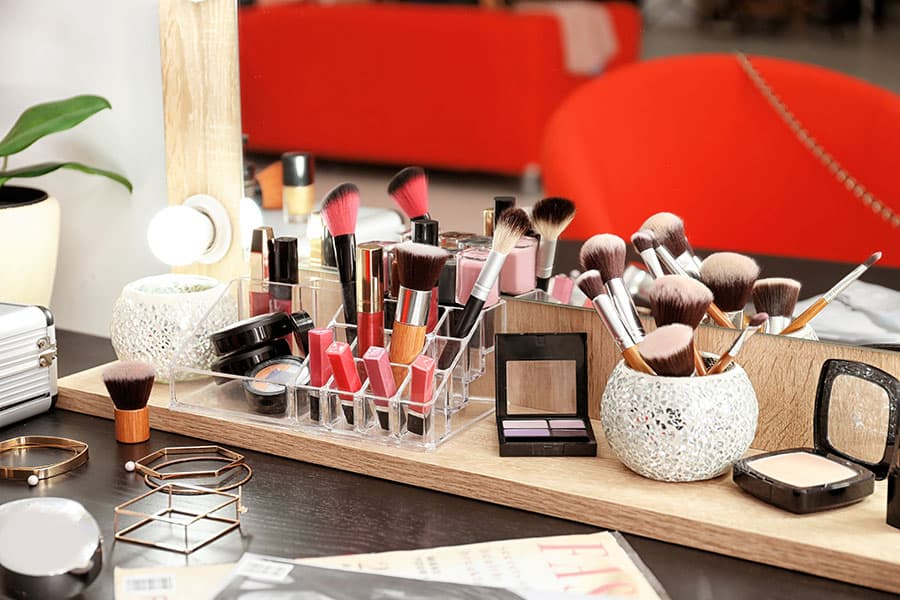 Build a Makeup Vanity